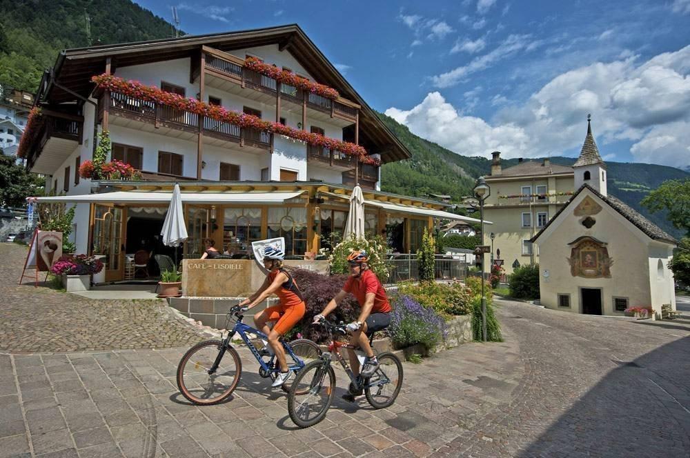 Piacevoli gite in bicicletta in valle