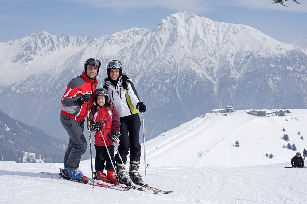 Skiing and other fun winter activities in Maranza